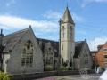 Vorbei an historischen Kirchen