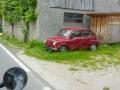 Fiat 500 am Straßenrand