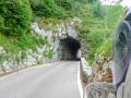 Viele kleine Tunnel