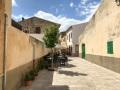 Leere Gassen in der Altstadt von Alcudia